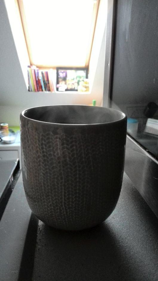 Ich trinke Tee! Weil mein Kopf wehtut (und ich immer Tee trinke).